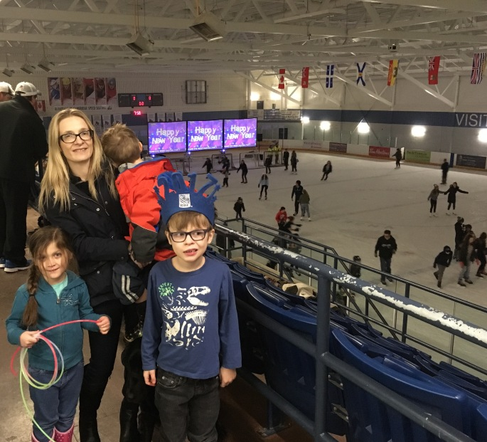 Amy with her family at Hespeler Memorial Arena for the #NewYearsEve skating party!
